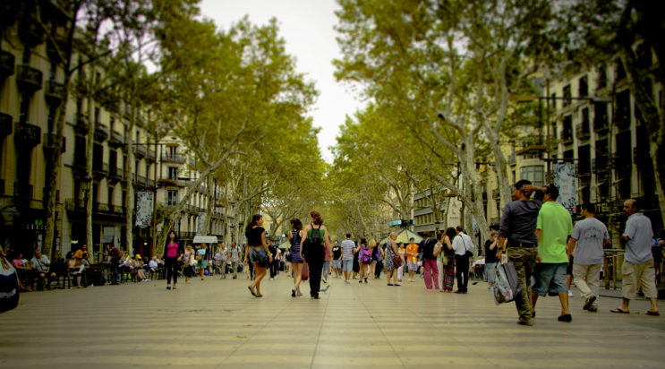 Улица Ла-Рамбла в Барселоне