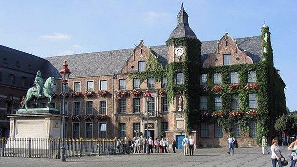 ратуша-дюссельдорфа